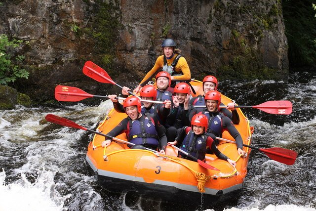 Photo by Graeme Walker/ Whitewater Rafting (Graeme Walker) / CC BY-SA 2.0